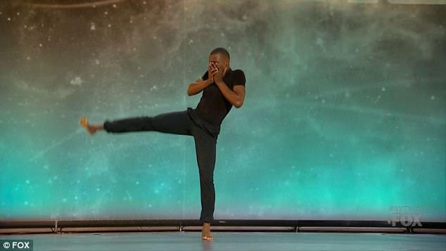 Dança poderosa: Darius Hickman discutiu sua áspera infância antes de sua poderosa dança