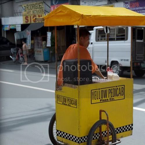 yellow pedicab