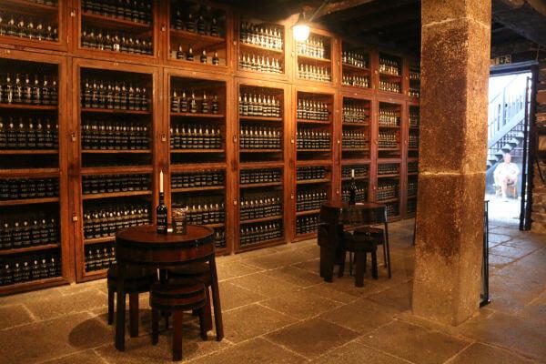 Blend_All_About_Wine_Blandys_1 Blandy, uma dinastia ligada ao vinho Madeira Blandy, uma dinastia ligada ao vinho Madeira Blend All About Wine Blandys 1