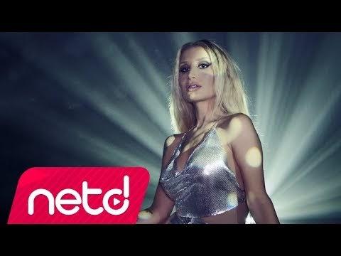 """İrem Derici'nin """"Yanlış Alarm"""" İsimli Şarkısına Çektiği Klip Yayında"""