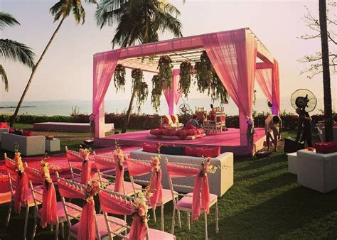 Still Thinking About Your Mandap Decor? Here Are 14
