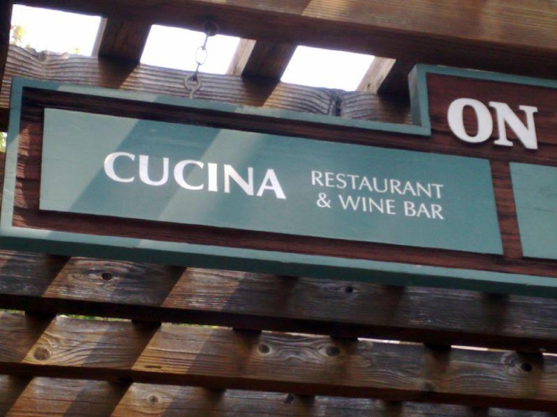 Cucina sign