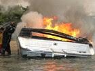 Incêndio destrói lancha em Ilhabela (Caio Gomes/Arquivo Pessoal)