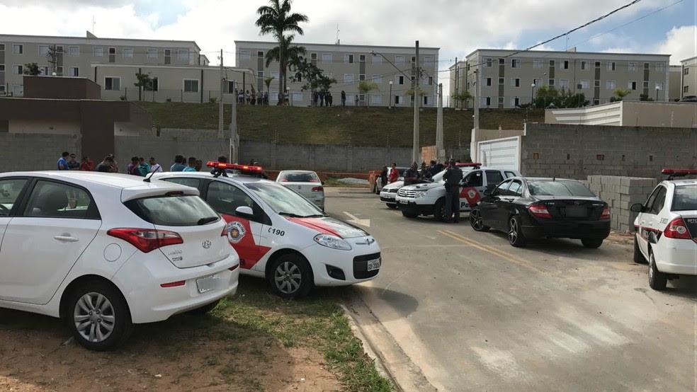Criminosos conseguiram fugir e polícia faz buscas (Foto: André Rosa/TV Vanguarda)