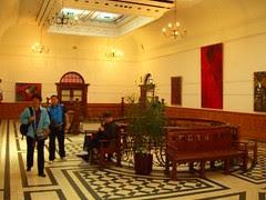 durban natural history museum - art gallery landing