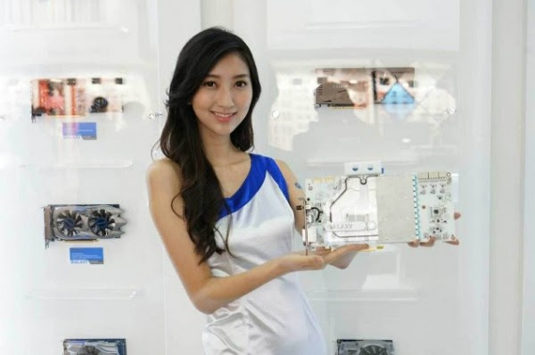 Booth Babes Computex 2014 (49)