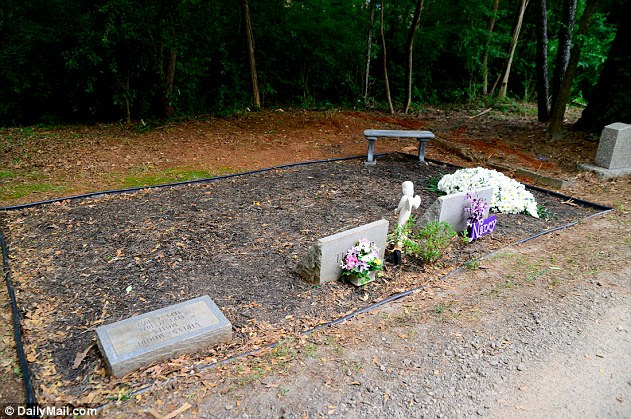 The intimate reception was held Saturday in Betty's hometown cemetery in Smyrna, Georgia, following the matriarch's death on February 19. Seen here is the Motes family plot, including the grave of Nancy Motes, Julia's half sister