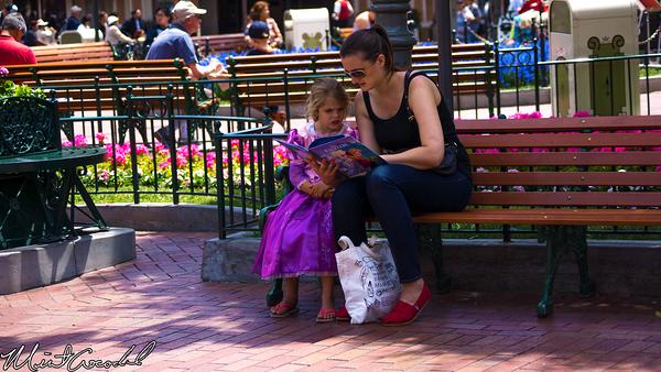 Disneyland Resort, Disneyland, Main Street U.S.A., Mother, Frozen, Book, Daughter