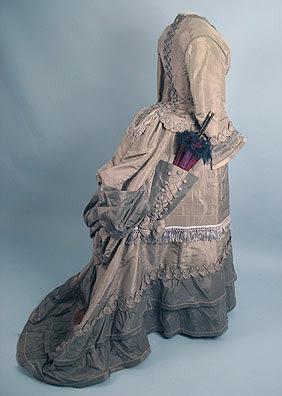 Visiting dress, ca 1873 Aaaa look at the cute pocket!