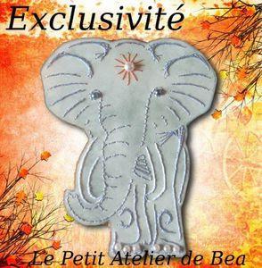 Sal éléphant : broderie sur carte chez Bea38