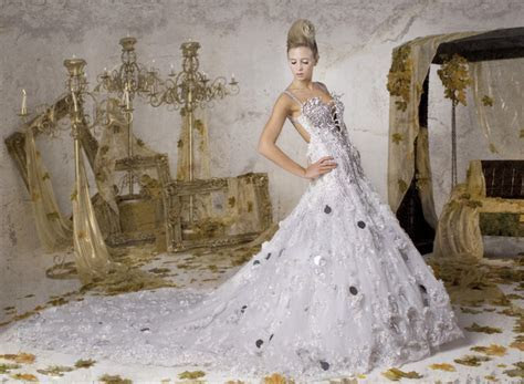 Preserving and Cleaning Your Wedding Dress ? Wedding Ideas