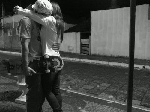 Quando me ver, só me abraça, por favor, só isso. (VG)