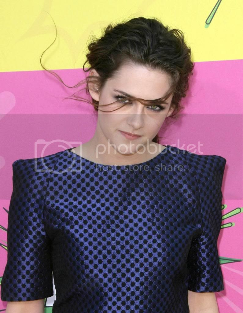 photo KSTEWARTFANS-03232013-5072_zpsc3a88101.jpg
