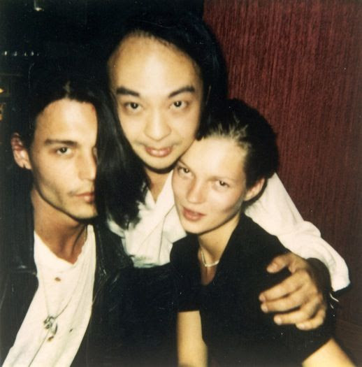 LE FASHION BLOG JOHNNY DEPP KATE MOSS JOHNNY AND KATE INSPIRATION CANDID BLACK 90S NINETIES MINIMAL SHORT HAIR 13