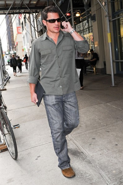 Nick Lachey - Nick Lachey chats on the phone and carries an iPad while out and about in New York City