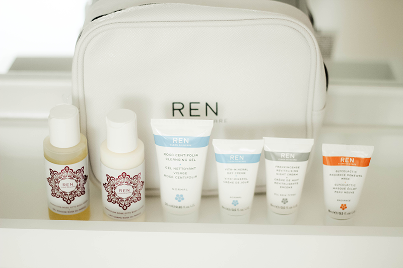 REN SKINCARE CLEAR SKINCARE DISCOVERY KIT