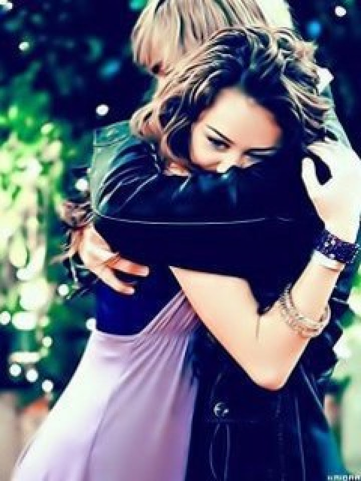 94 Koleksi Romantic Couple Hug Wallpaper Gratis