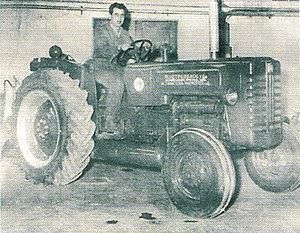 Petropoulos Π-35 tractor (1956)