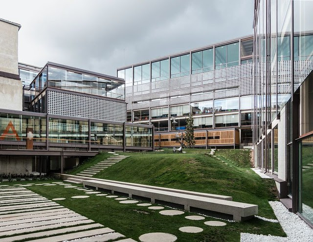 Gonzalo Moure. COAM headquarters #1
