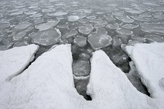 shore-ice-fingers