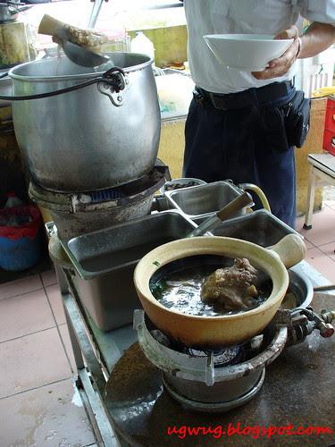 Cooking beef bone marrow