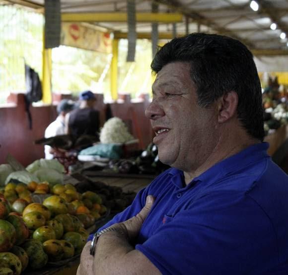 Leonardo Reyes, jefe de área de 19 y B. Foto: José Raúl Concepción/Cubadebate.