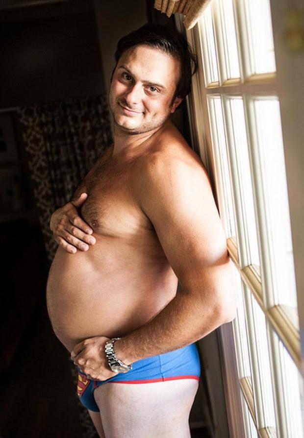 Ideia surgiu depois de a esposa se recusar a posar para fotógrafo durante a gravidez (Foto: Reprodução/Imgur/DruishPrincess69)