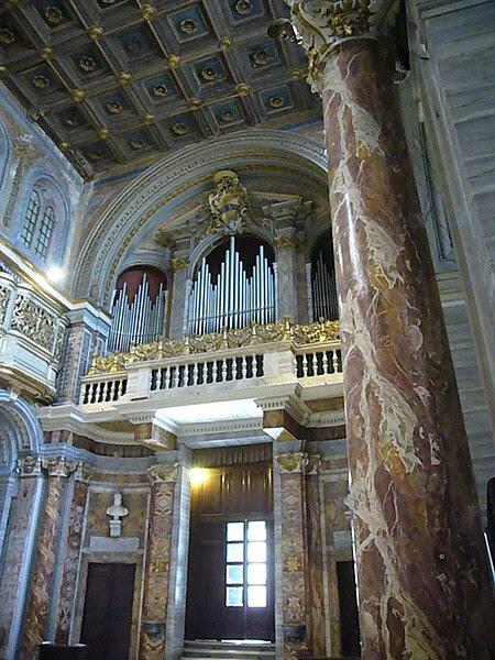 File:Pigna - s Marco controfacciata e organo 1190061.JPG