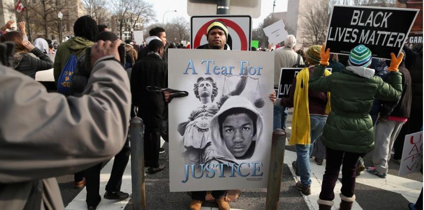 Des manifestants contre les violences policières à Washington, le 13 décembre 2014. (CHIP SOMODEVILLA / GETTY IMAGES NORTH AMERICA / AFP)