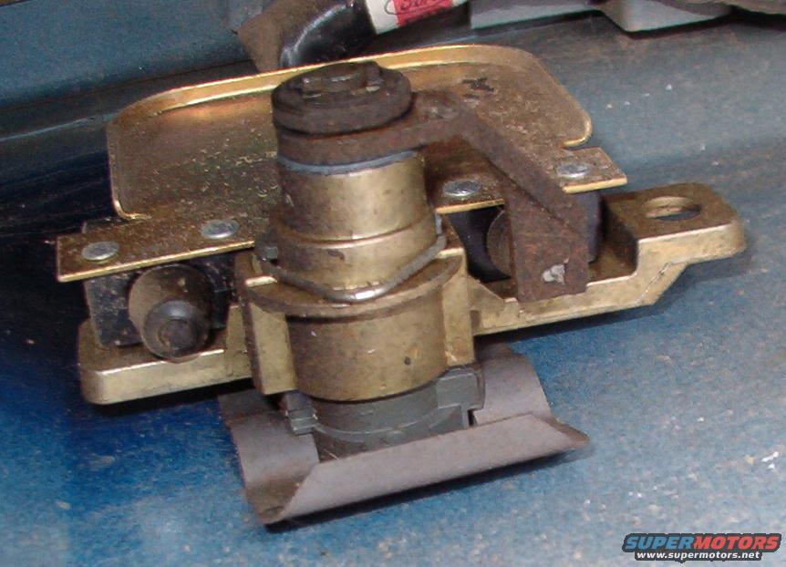Ford bronco tailgate window key switch