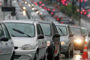É essencial tirar o carro do centro da sociedade para solucionar problema do transporte