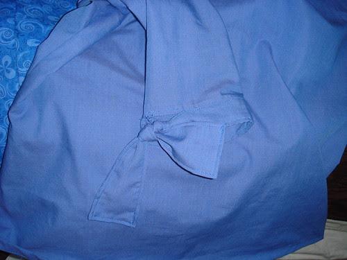 Detail of sleeve ties