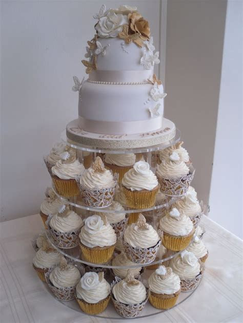25  best ideas about Wedding anniversary cakes on