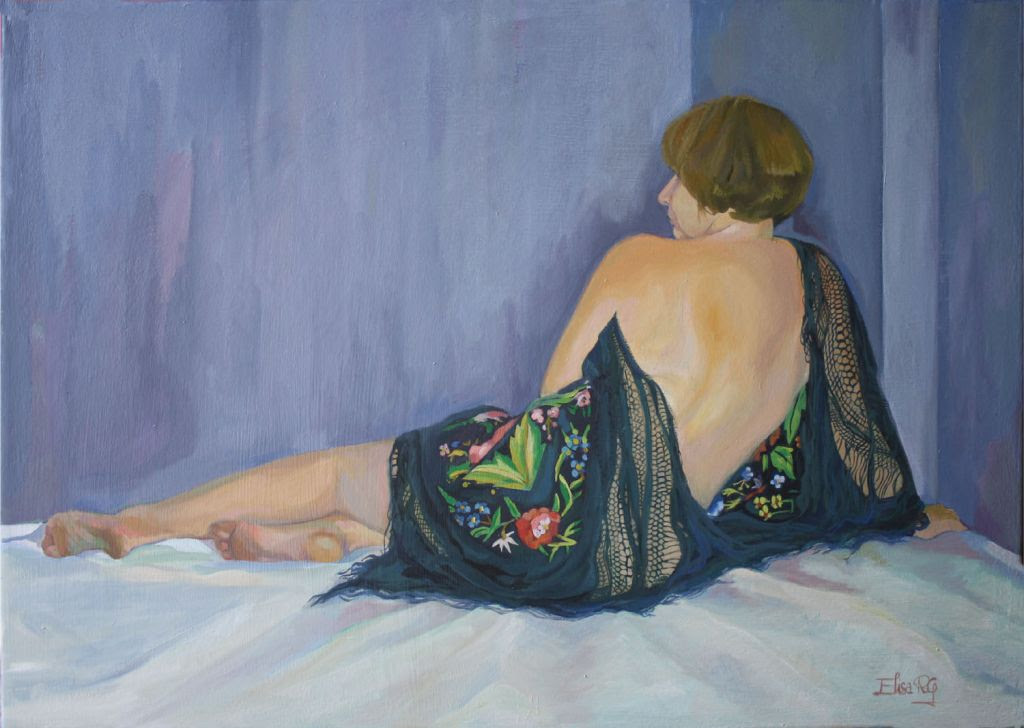 Mujer sentada de espaldas