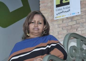 """""""Las redes sociales y las nuevas tecnologías ayudan a derribar el miedo de las mujeres árabes"""""""