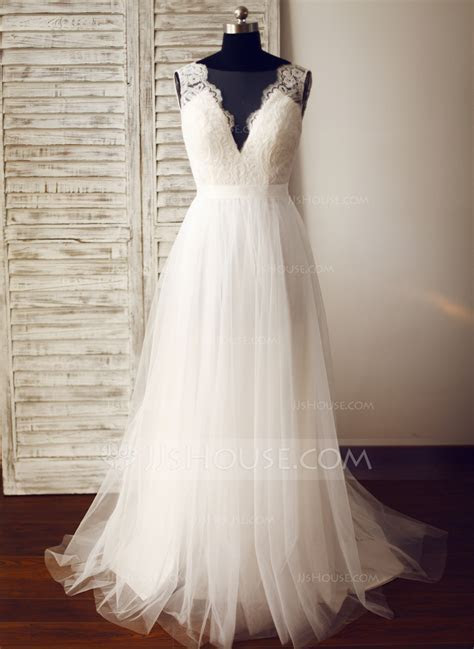 A Line/Princess V neck Sweep Train Tulle Wedding Dress