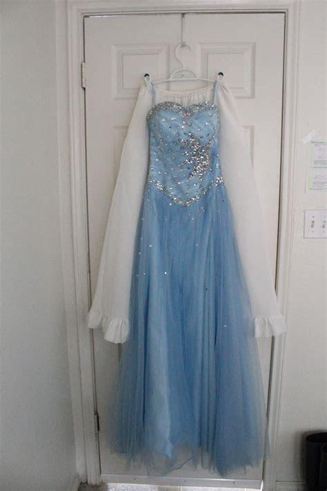 Velvet Top Dress Hangers Rental In Austin, TX   Wedding