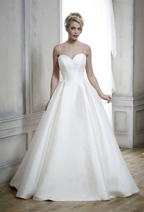 Nicola Anne Couture   Castle Brides