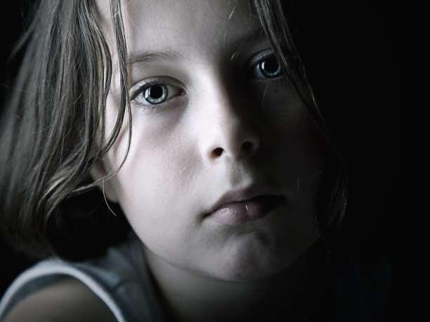 θλιμμένο παιδί