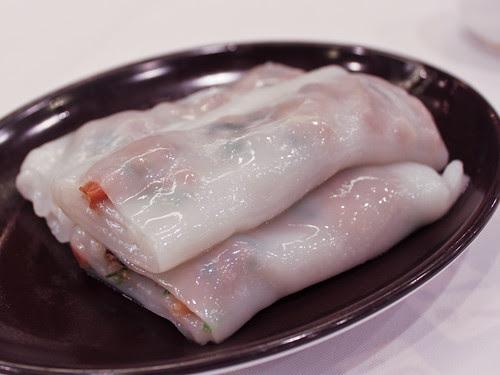 Char siu noodle wraps (稻香超級漁港)