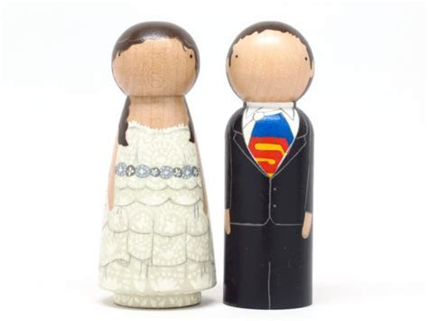 DIY and customisable Wedding Cake Toppers : Chic Vintage