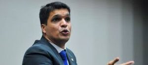 """Renato Cinco: """"Daciolo, pegue seu mandato e saia do Psol"""""""