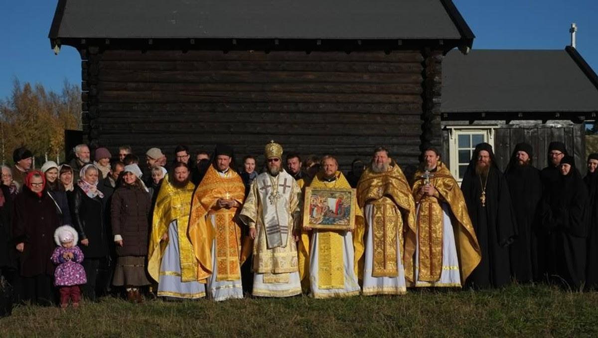 Innvielse kapell Stiklestad - Innvielse av det nye kapellet på Stiklestad trakk mange gjester i dag. - Foto: Jørn Haudenmann-Andersen /