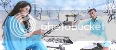 http://img.photobucket.com/albums/v252/BollyNuts/Vaaranam%20Aayiram/3song05.jpg