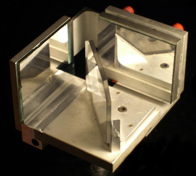File:Michelson Interferometer.jpg