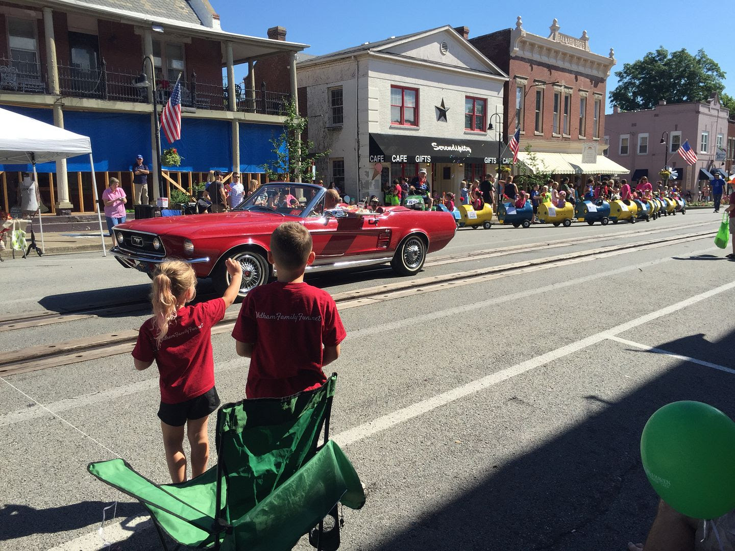 photo Oldham county day waving to parade_zps2bx1wlcf.jpg