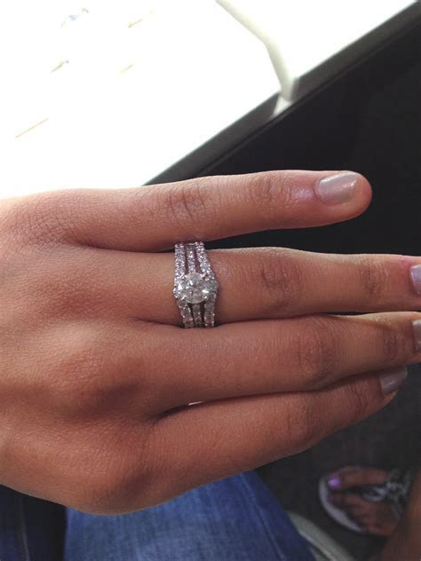 Any ladies rocking a Solitaire Engagement with a