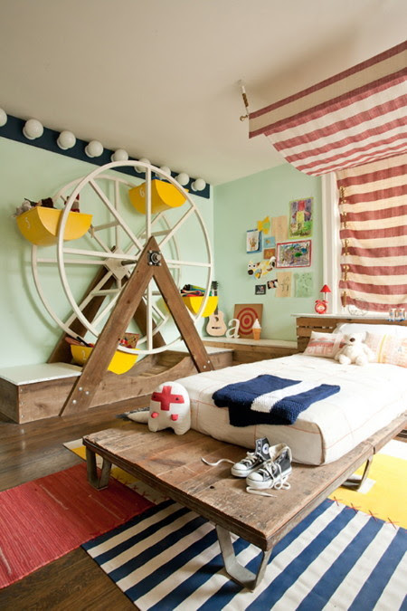 happythings:  elizabethtown: why yes, I would love to have a ferris wheel in my room. via acrossthelines:  outcamethesun:  cass-elle:  here