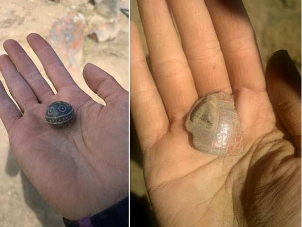Más artefactos hallados en el mismo sitio arqueológico.