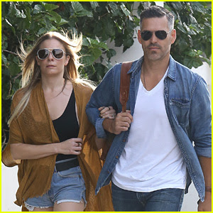 LeAnn Rimes Arrives at the Airport with Husband Eddie Cibrian